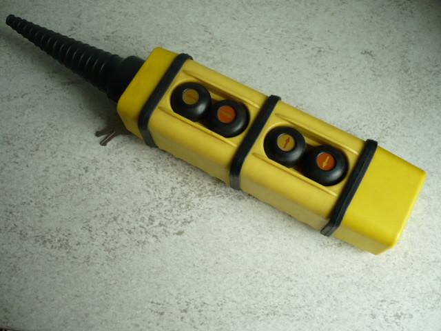 FAEL pendant control, control bottle Typ KS-2 for VEB DDR lifting platform Type FHB 12.1