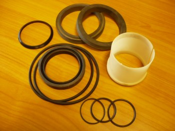 Gasket set cylinder old VEB Fortschritt T174 mobile excavator DDR machinery (Cylinder with 56mm rod, square head)