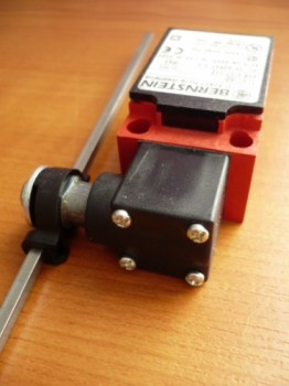 Bernstein limit switch, safety switch for Nussbaum Lift Type SL 2.25 SL 2.30 SL 2.32 (for lower-left column) (with 200 mm long rod) 2.30 TTS / 230 TTK AS