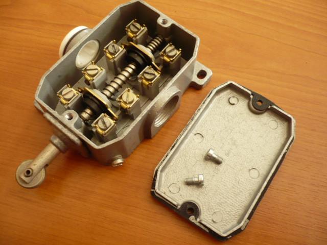 Bernstein Limit switch contact position switch type GWU 2R Robotron VEB GDR