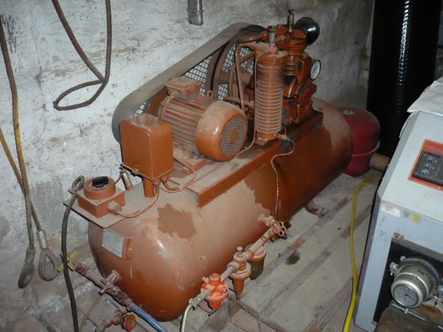 VEB DDR GDR compressor piston compressor compressed air 250 liters