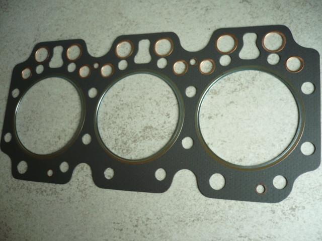 Cylinder head gasket Kautasit 3VD / 2 head screw VTA Takraf forklift DFG3202