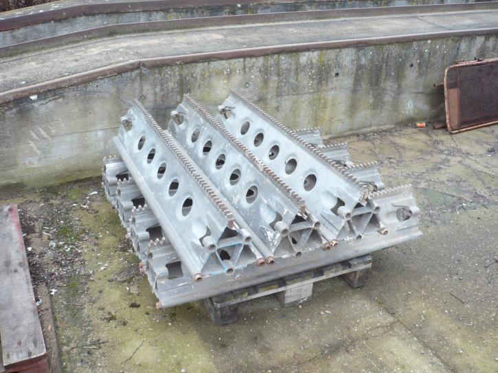Mast element part greasy pole for VEB work platform Type FHB 12.1 or Thyssen HBM 400