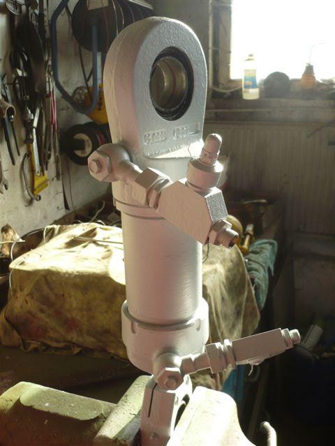 right swing cylinder Takraf forklift DFG 3202 N-A TGL 10906