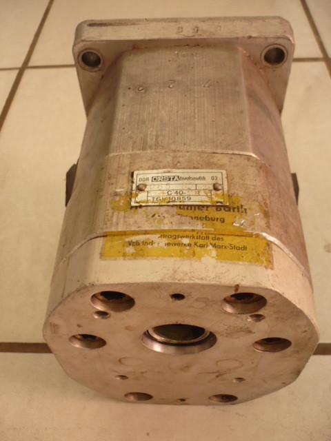 Orsta tandem pump hydraulic pump for VTA Forklift Takraf DFG 3202 N-A C40-2 R