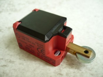 limit switch, switch contact with roller plunger for Slift Classic 2.25 lift (upper limit per column a proximity switch installed)