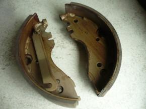 1 set Brake shoe, brake blocks, brake linings for VTA Takraf DFG 3202/N, 2002/3N forklift