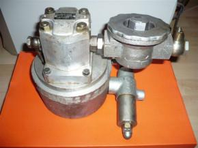 Gear pump pressure relief valve for 1.5 and 2 tons DDR Takraf Scissor lift Lunzenau