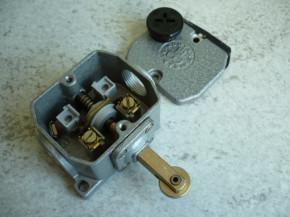 Bernstein limit switch roller lever Robotron VEB GDR type GWA 1R Zw